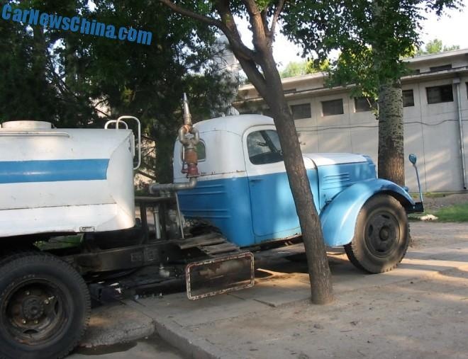 liberation-water-truck-china-6