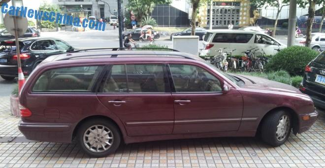 mercedes-benz-w210-wagon-china-3a