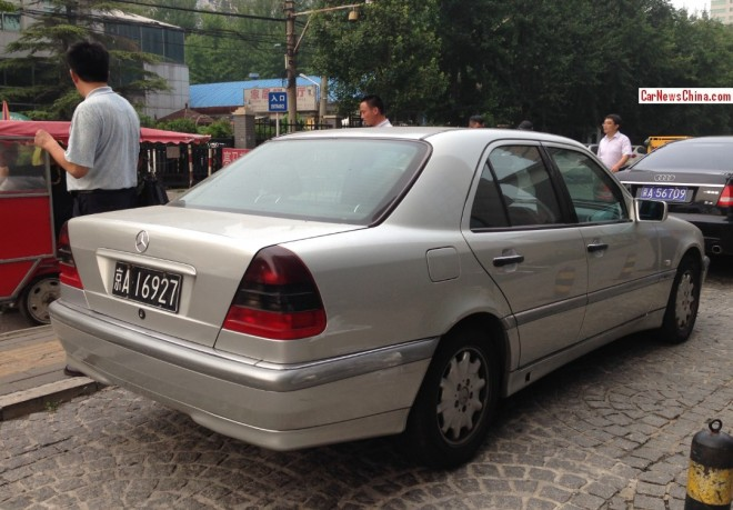 mercedes-w202-china-01a