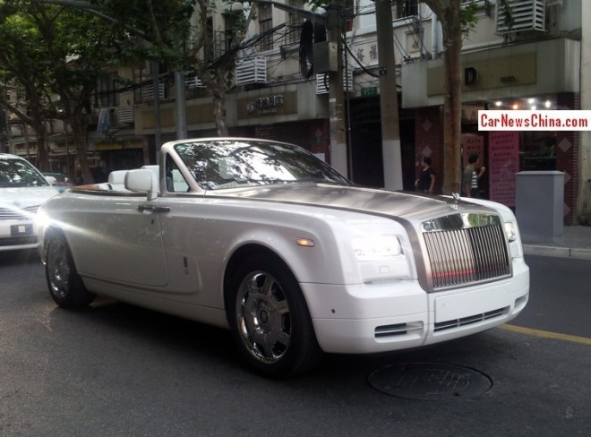 Spotted in China: Rolls-Royce Phanton Drophead Coupe