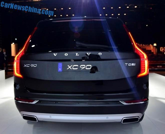volvo-xc90-unveiled-4
