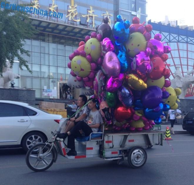 balloons-china-tricycle-3