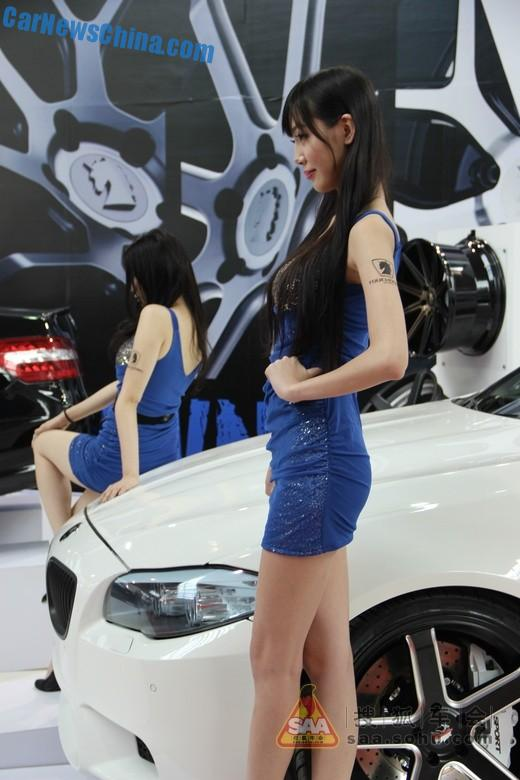 china-car-girl-shanghai-cas-7
