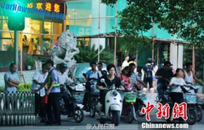 jaywalking-china-4
