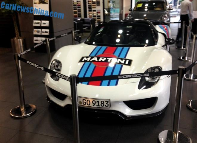 Spotted in China: Porsche 918 Spyder no. 000 in Martini livery