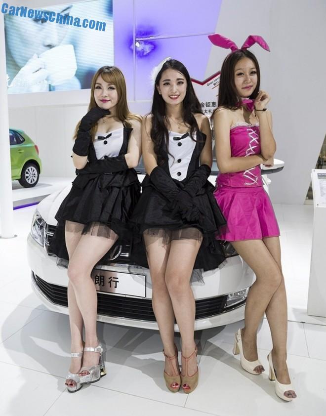 yantai-auto-show-girls-1-3