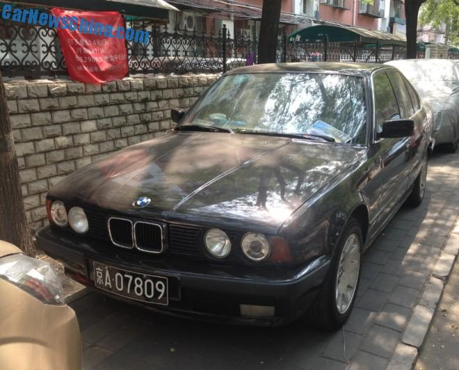 Spotted in China: E34 BMW 525i sedan