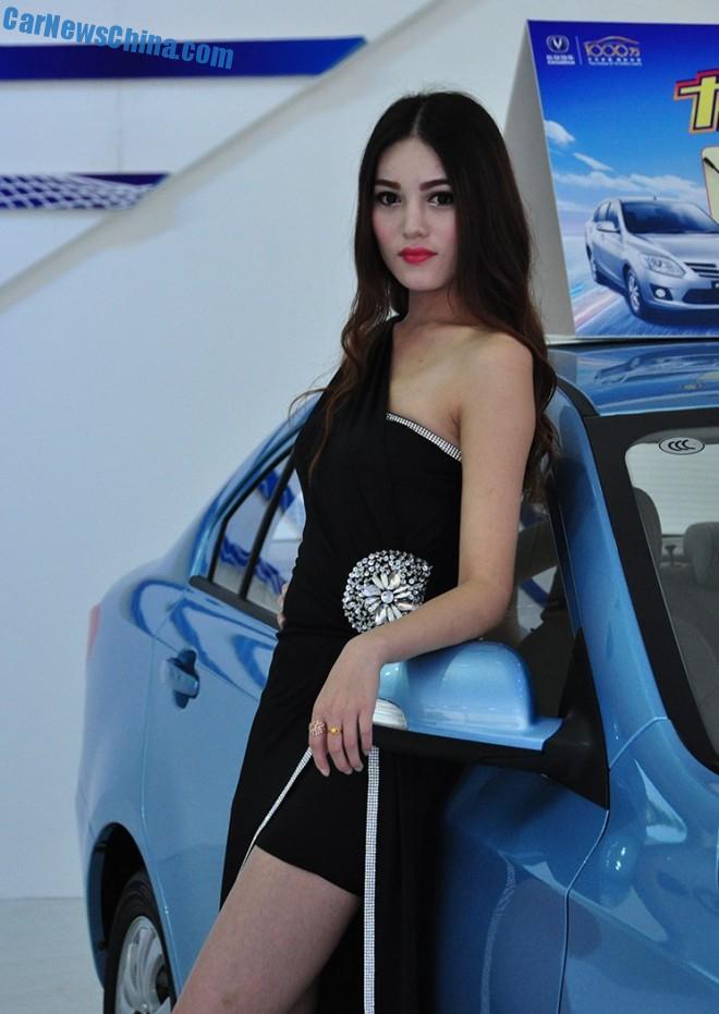 china-car-girls-xian-9