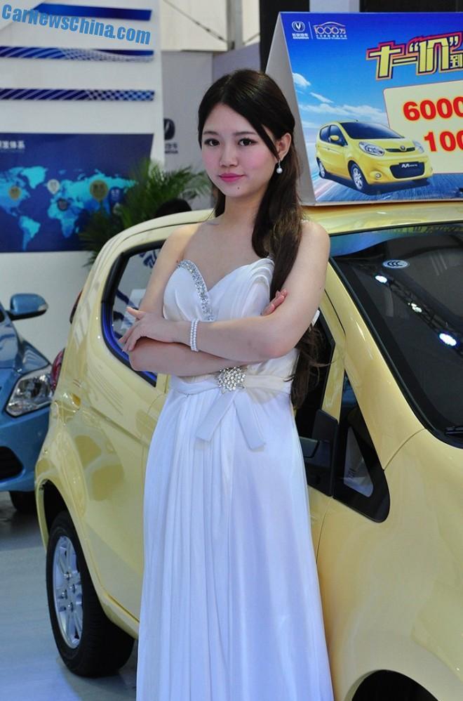 china-car-girls-xian-9a