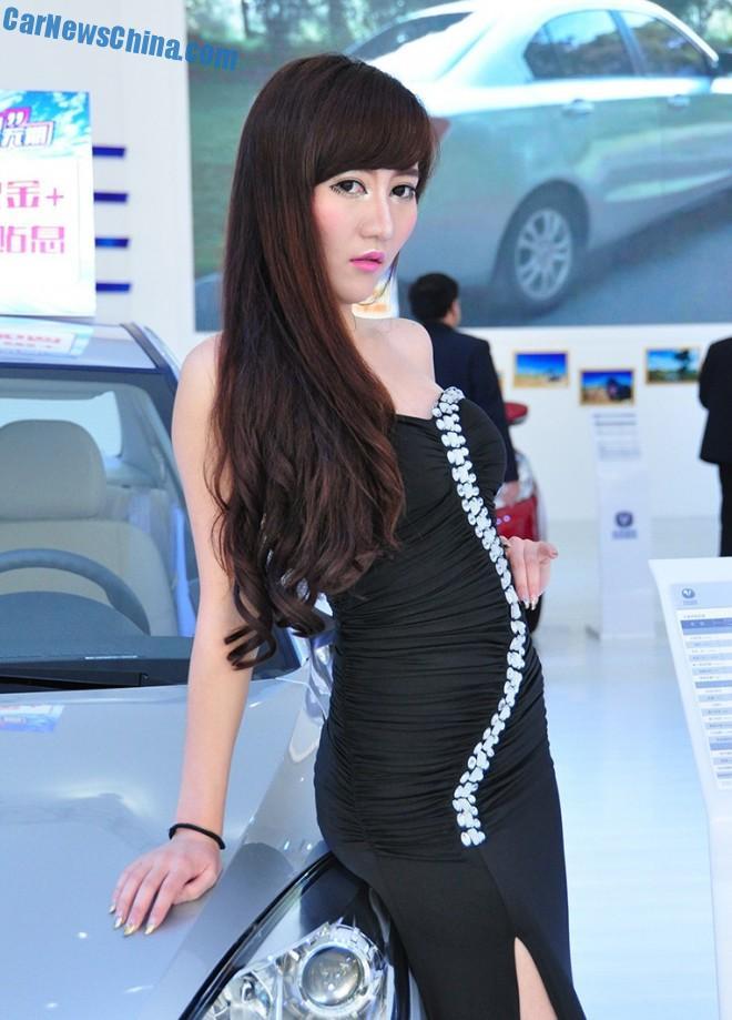china-car-girls-xian-9b