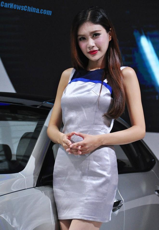 china-car-girls-xian-9c