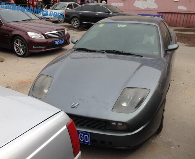 Spotted in China: Fiat Coupe in dark gray