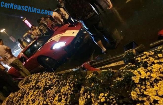 ford-gt-crash-china-2
