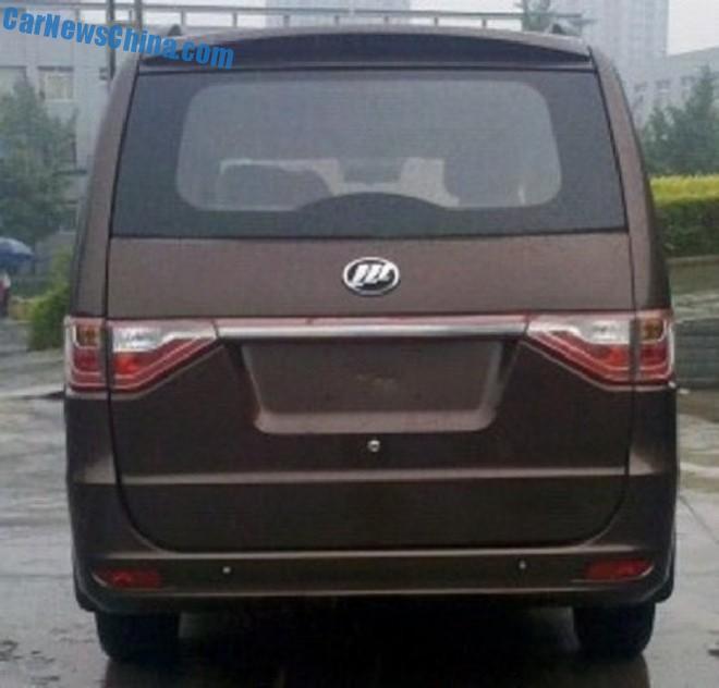 lifan-mpv-china-1-3