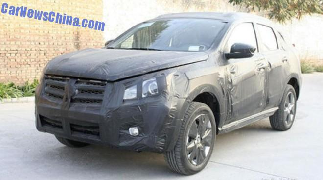 Spy Shots: Venucia SUV seen testing in China
