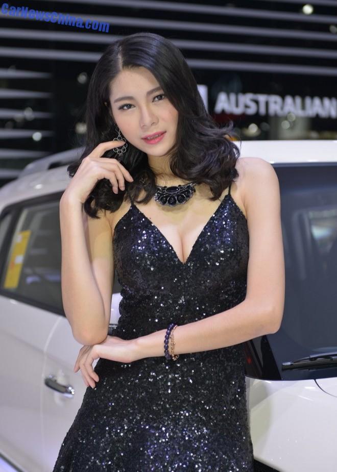 china-car-girls-gz-2-beijing-kia-1