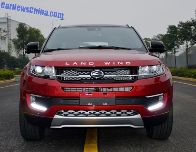 New photos of the Landwind X7, China's clone of the Range Rover Evoque