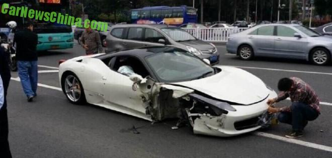 ferrari-458-crash-china-3