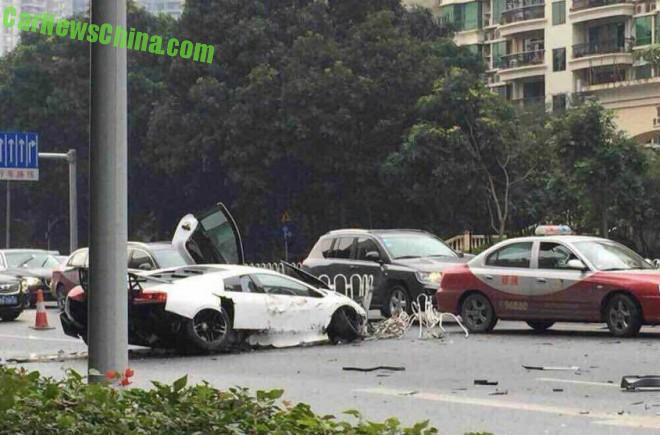 lamborghini-crash-china-1-5b