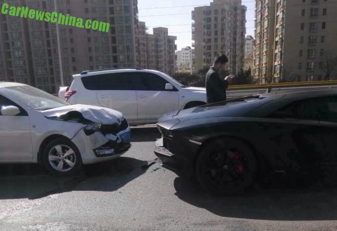 lamborghini-crash-china-1-9ba