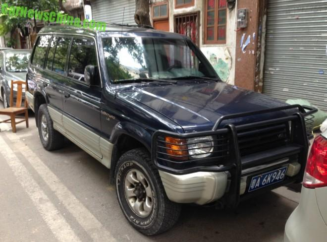 Spotted in China: second generation Mitsubishi Montero LS