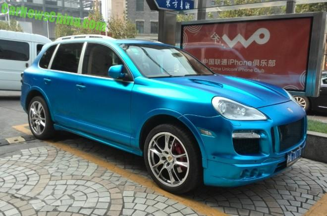Porsche Cayenne is matte baby blue in China