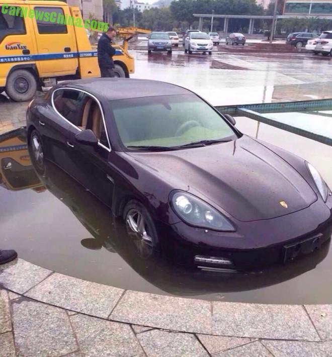 Porsche Panamera hits a Pond in China
