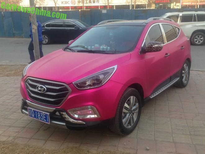Hyundai ix35 is Shiny Pink in China