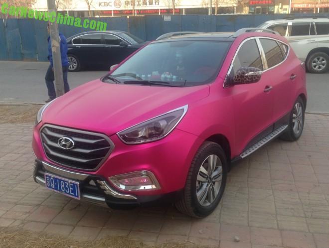Hyundai ix35 is Shiny Pink in China