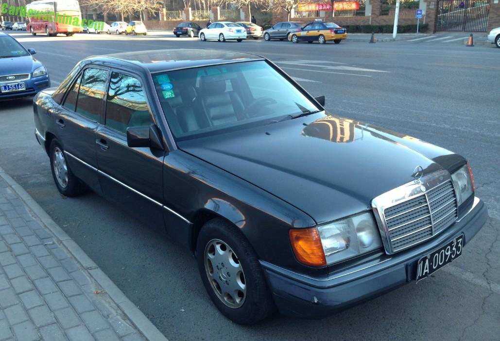 Spotted in china w124 mercedes benz 280e in black for Mercedes benz w124 parts