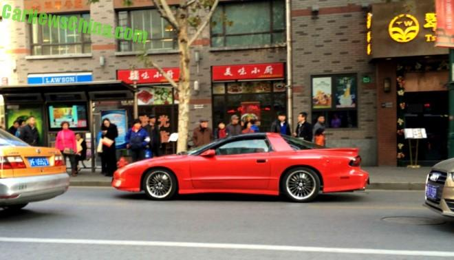 pontiac-firebird-red-spot-china-3