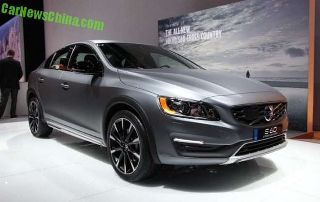 Volvo S60 Cross Country sedan debuts at the 2015 Detroit Auto Show