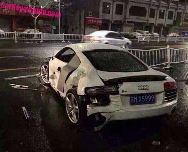 audi-r8-v10-crash-china-2