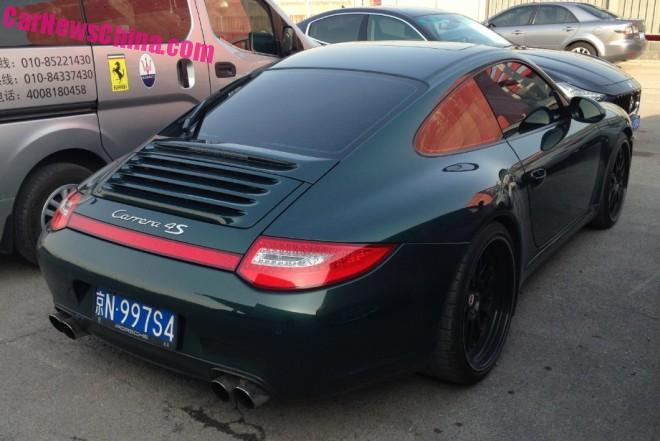 porsche-911-license-china-1
