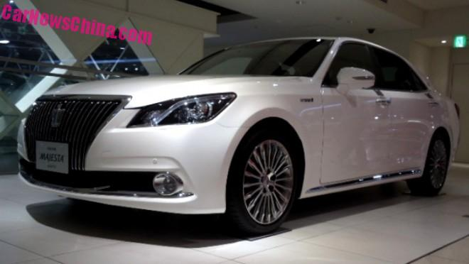 toyota-crown-china-1aa