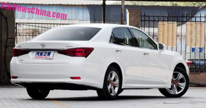 toyota-crown-china-4