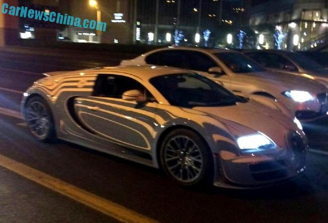 Spotted in China: Bugatti Veyron L'Or Style Super Sport in white over blue