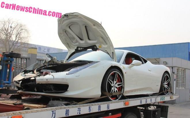 ferrari-458-china-crash-white-3