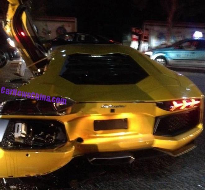 lamborghini-aventador-crash-china-5