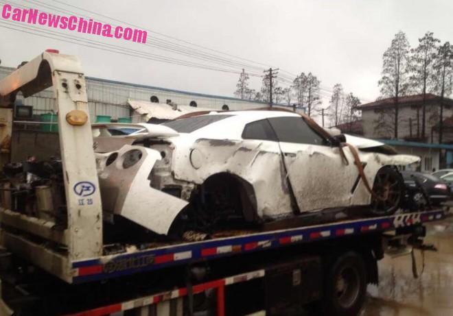 nissan-gtr-china-crash-4