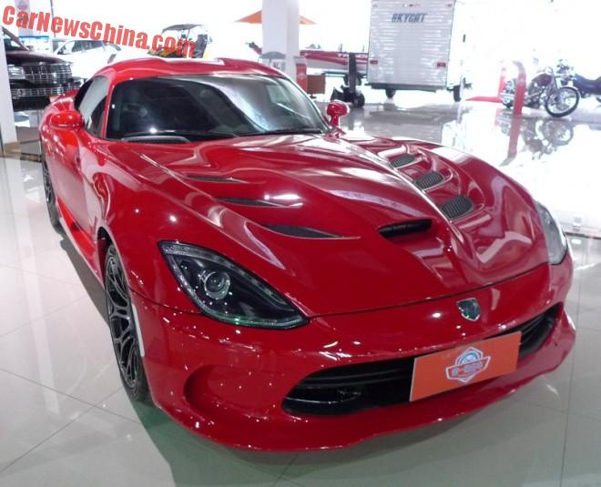 2015 Dodge Viper SRT sells for 482.000 USD in China