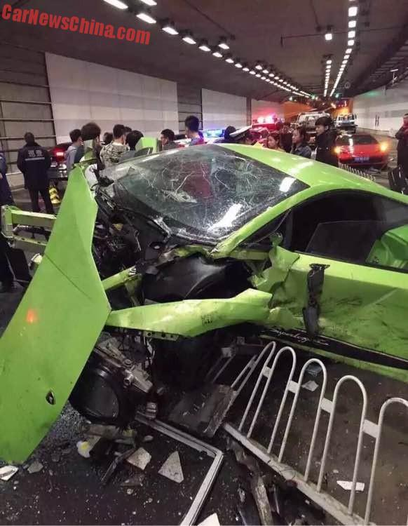 lamborghini-ferrari-crash-china-1a