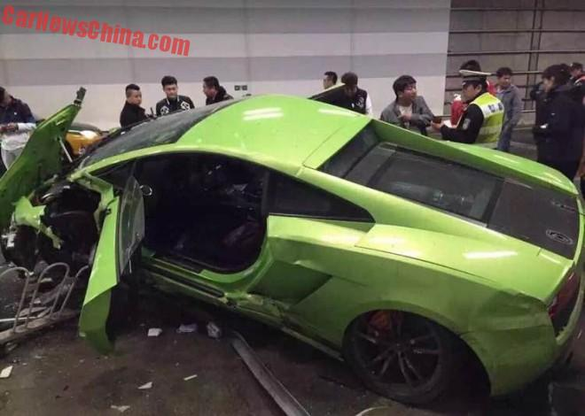lamborghini-ferrari-crash-china-1b