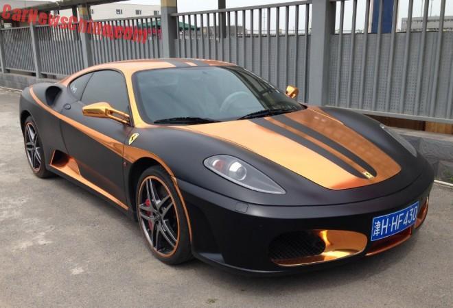 Ferrari F430 is matte black & gold in China