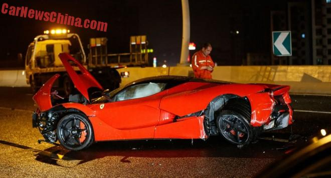 ferrari-laferrari-crash-china-2-001b