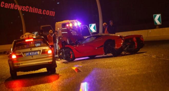 ferrari-laferrari-crash-china-2-01