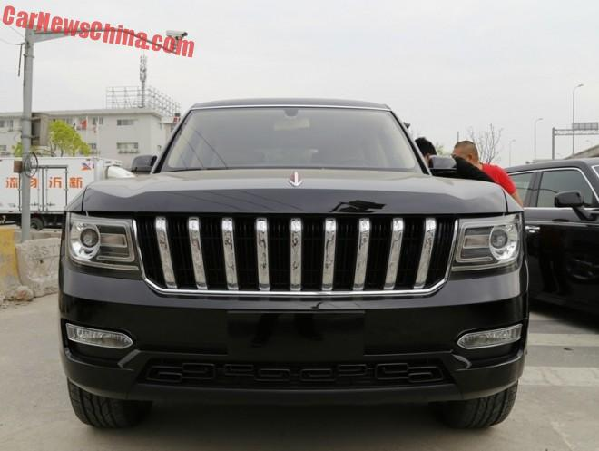 First Photos of the Hongqi LS5 SUV on the Road