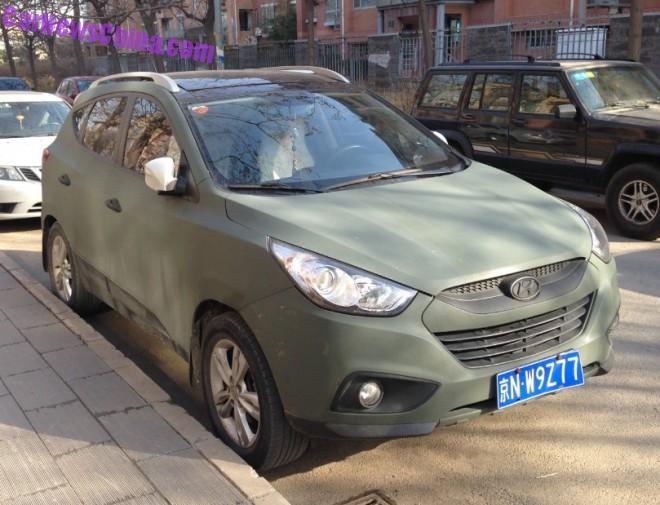 Hyundai ix35 is matte green in China