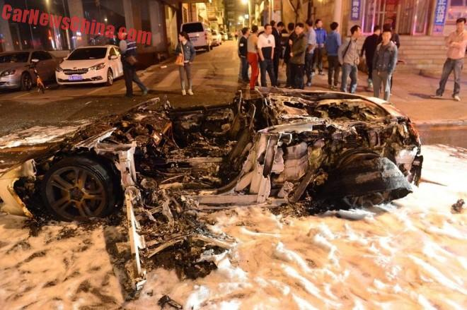 Lamborghini Gallardo burns to the Ground in China