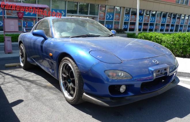 Spotted in China: third generation Mazda RX-7
